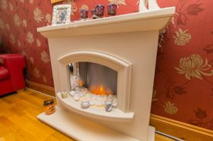 Fire place of Oxford Road, Rochford, Essex