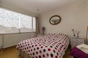 Bedroom Two of Oxford Road, Rochford, Essex