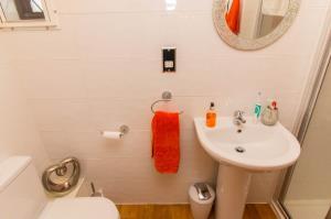 Shower room of Pinewood Avenue, Leigh-on-Sea, Essex