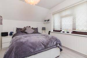 Bedroom Two of Pinewood Avenue, Leigh-on-Sea, Essex