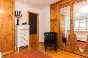 Bedroom of Pinewood Avenue, Leigh-on-Sea, Essex
