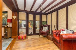 Sun room of Pinewood Avenue, Leigh-on-Sea, Essex
