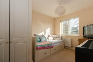 Bedroom of Hera Close, Southend-on-Sea, Essex