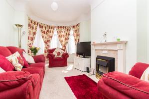 Lounge of Tintern Avenue, Westcliff-on-Sea, Essex