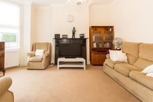 Lounge of Westbourne Grove, Westcliff-on-Sea, Essex