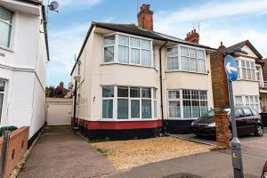 Front of Southbourne Grove, Westcliff-on-Sea, Essex