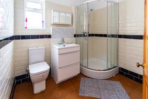 Shower Room of Southbourne Grove, Westcliff-on-Sea, Essex