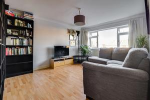 Lounge of Fernleigh Drive, Leigh-on-Sea, Essex