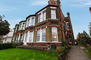 Photo of Southchurch Road, Southend-on-Sea