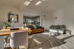 Kitchen/Family Room of Bonchurch Avenue, Leigh-on-Sea, Essex