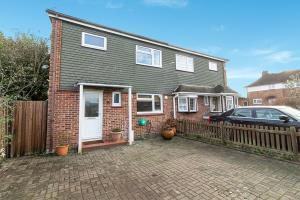 Photo of Lodge Close, Rayleigh, Essex